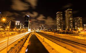Обои для рабочего стола Израиль Дома Дороги Железные дороги Водный канал Ночью Уличные фонари Tel Aviv Города