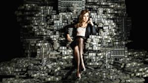 Фото Деньги Много Доллары Купюры Сидит Ног Jessica Chastain, Molly's Game Девушки