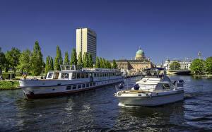 Картинка Потсдам Германия Здания Речка Причалы Речные суда Города