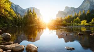 Фотографии Реки Рассвет и закат Камень Горы Пейзаж Скала Природа