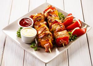 Фото Шашлык Овощи Доски Кетчуп Тарелка Продукты питания