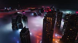 Фотография Небоскребы Здания Дубай Объединённые Арабские Эмираты Туман Ночью Города