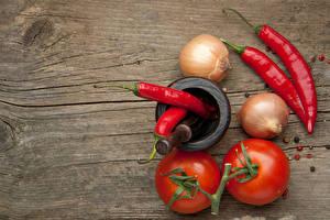 Фотография Помидоры Лук репчатый Острый перец чили Доски Ступка с пестиком Еда