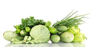 Фото Овощи Капуста Перец овощной Огурцы Кабачок Белом фоне Еда