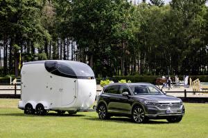 Фотография Volkswagen Серый 2019 Touareg V8 TDI Worldwide Автомобили