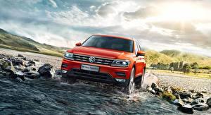 Обои Volkswagen Воде Спереди Оранжевых Кроссовер Tiguan Автомобили