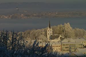 Картинка Зимние Церковь Австрия Снег Тумане Gschwandt, district of Gmunden Города
