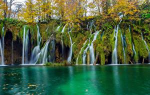 Картинка Осень Озеро Водопады Парки Хорватия Скала Plitvice Lakes National Park Природа