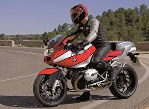 Фото БМВ Мотоциклист В шлеме 2004-06 R 1200 S