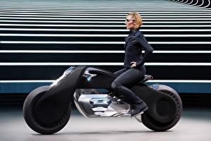 Фото БМВ Сбоку Блондинки Мотоциклист Очков 2016 Motorrad VISION NEXT 100 Девушки