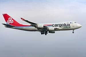 Обои Boeing Пассажирские Самолеты Сбоку 747-400F