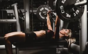 Фотографии Фитнес Штанга Лежа Тренировка спортивные Девушки