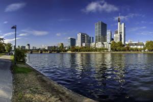 Картинка Германия Франкфурт-на-Майне Здания Река Мост Города