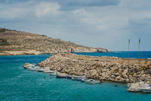 Картинки Мальта Пирсы Катера Залив Холмов Island Gozo