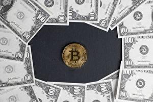 Картинки Деньги Банкноты Доллары Монеты Bitcoin