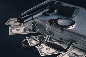 Картинки Деньги Банкноты Доллары Пистолетом Чемоданом Наручники
