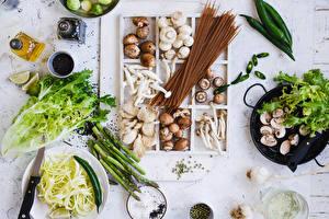 Фотографии Грибы Овощи Специи Острый перец чили Макароны Пища