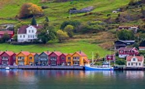 Обои Норвегия Дома Причалы Заливы Port de Kaupanger город