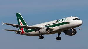 Фото Пассажирские Самолеты Эйрбас Летящий A320-214 Авиация