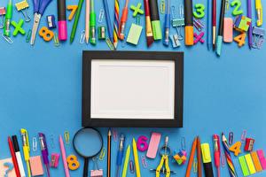 Обои для рабочего стола Школьные Цветной фон Шаблон поздравительной открытки Карандаша Шариковая ручка Лупа