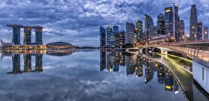 Картинки Сингапур Дома Вечер Мост Залив Города