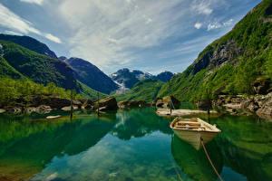 Обои для рабочего стола Камни Лодки Пристань Гора Норвегия Заливы Мох Bondhusvatnet Hardanger Природа