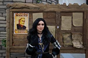 Картинки Ведьмак 3: Дикая Охота Косплей Брюнетка Yennefer молодые женщины