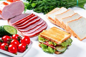 Обои Томаты Хлеб Ветчина Сэндвич Овощи Нарезка Продукты питания