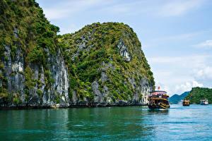 Картинки Вьетнам Речные суда Залив Скале Ha Long Bay Природа