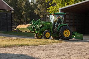 Картинки Сельскохозяйственная техника Тракторы 2014-19 John Deere 4052R