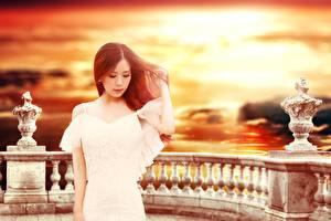 Картинки Азиатки Платья Рыжие девушка