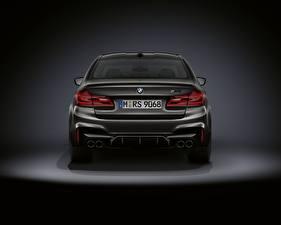 Фотография BMW Сзади M5 F90 2019 Edition 35 Years автомобиль