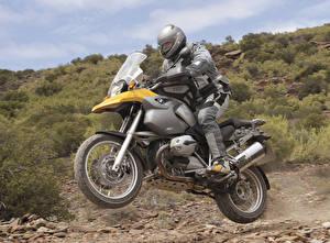 Обои БМВ Мотоциклист Движение Шлема 2004-08 R 1200 GS Мотоциклы