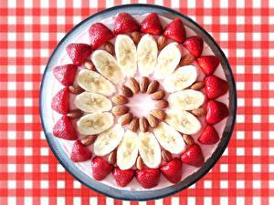 Фотография Бананы Клубника Орехи Дизайна Еда