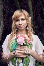 Фотография Букет Бабочки Эльф Блондинок Смотрят Косплей молодая женщина
