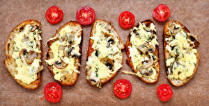 Картинка Бутерброд Помидоры Хлеб Сыры Грибы