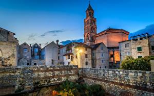 Фотография Хорватия Сплит (город) Храм Церковь Вечер Лучи света Забор Cathedral of Saint Domnius
