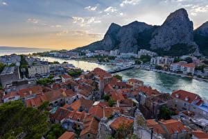 Фотографии Хорватия Дома Мосты Причалы Вечер Скала Залив Omiš город