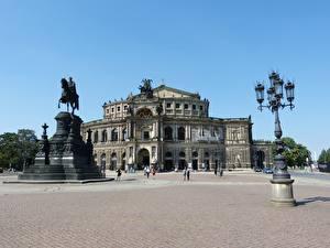 Картинка Дрезден Германия Памятники Городская площадь Уличные фонари Semper Opera город