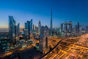 Обои Дубай Небоскребы Объединённые Арабские Эмираты Дороги Дома Утро Мегаполиса Города