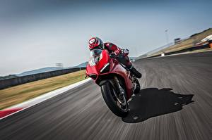 Обои Ducati Движение Красная 2018 Panigale V4 S Panigale