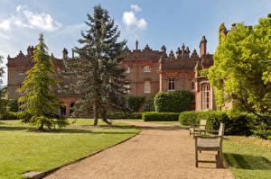 Фото Англия Здания Парк Газоне Скамья Ели Hughenden Manor город