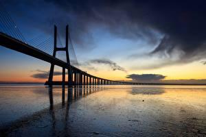 Фото Вечер Мост Португалия Vasco da Gama bridge, Lisbon город