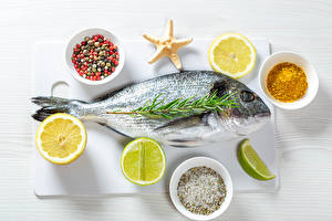 Картинка Рыба Лимоны Пряности Бадьян звезда аниса Лайм