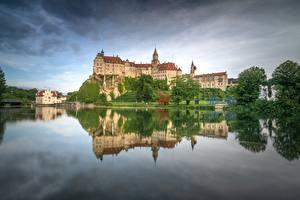 Картинки Германия Замки Отражении Schloss Sigmaringen Города
