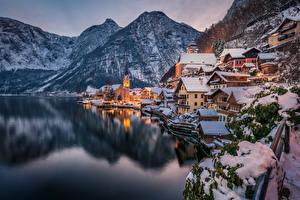 Фотография Халльштатт Австрия Здания Гора Озеро Зимние Вечер Снега
