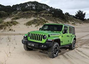 Обои для рабочего стола Jeep Внедорожник Желто зеленый 2019 Wrangler Unlimited Rubicon Автомобили