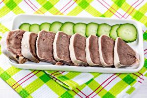 Фото Мясные продукты Огурцы Нарезка beef tongue