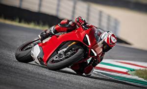 Обои Мотокросс Ducati Едущий Красных Panigale 2017 мотоцикл