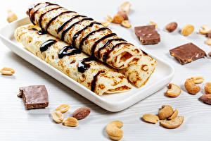 Обои Блины Шоколад Орехи Продукты питания